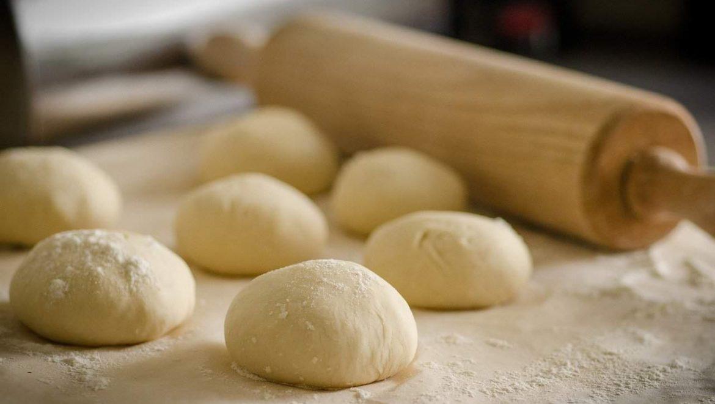איך להכין פיצה במטבח שלכם עם שף פיצות לאירועים