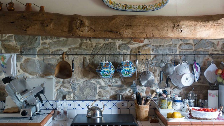 מדריך – כיצד נבחר את מטבח הגינה הטוב ביותר?