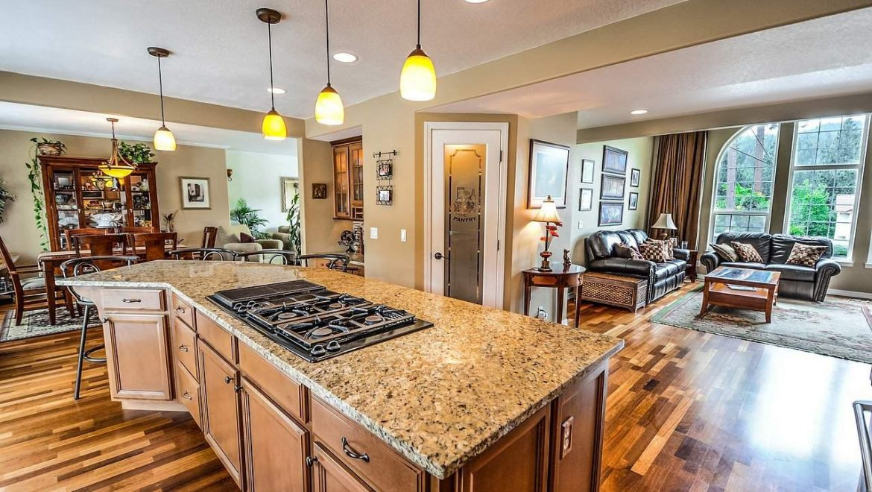 שני יתרונות במטבח כפרי מודרני לבית